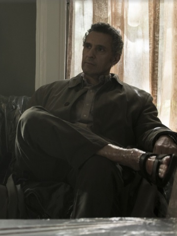 L'acteur John Turturro, excellent dans le rôle de l'avocat Jack Stone, toujours à la recherche du 'Coup' qui le fera monter, mais handicapé par ses bonnes intensions, et son psoriasis qui l'oblige à plaider en nus-pieds.