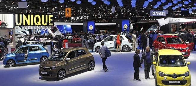 Stand des voitures Renault au salon de l'auto 2016 de Paris